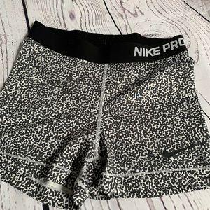 Nike Pro Women's Shorts Size M